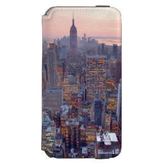 Wide view of Manhattan at sunset Incipio Watson™ iPhone 6 Wallet Case