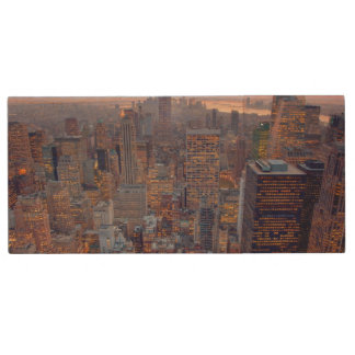 Wide view of Manhattan at sunset Wood USB 2.0 Flash Drive