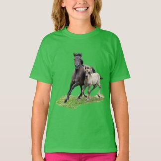 Wild Dulmen Horse Mare Cute Foal Gallop - green T-Shirt