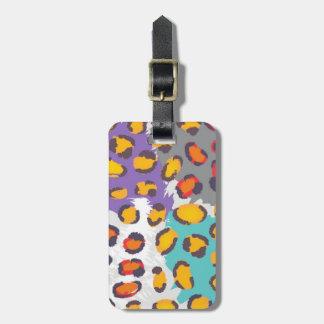 Wildlife animal pattern luggage tag