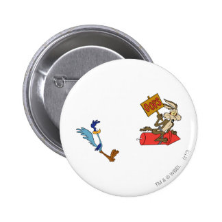 Wile E Coyote and ROAD RUNNER™ Acme Products 5 2 6 Cm Round Badge