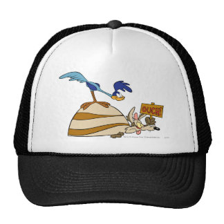 Wile E Coyote and ROAD RUNNER™ Acme Products 5 Cap