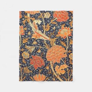 William Morris Cray Floral Art Nouveau Pattern Fleece Blanket