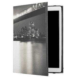 "Williamsburg bridge in New York City at night iPad Pro 12.9"" Case"