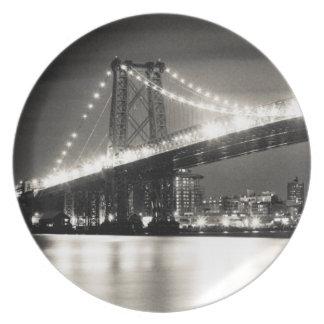 Williamsburg bridge in New York City at night Plate