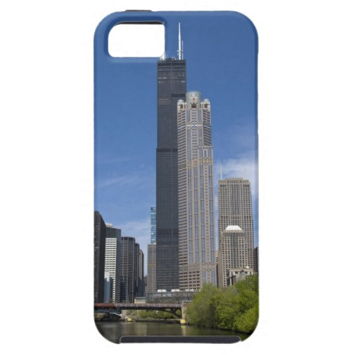Willis Tower (previously the Sears Tower) looms iPhone 5 Covers