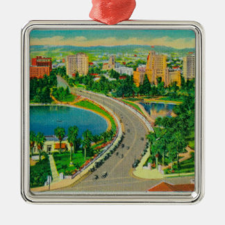 Wilshire Boulevard, Gen. Douglas MacArthur Silver-Colored Square Decoration