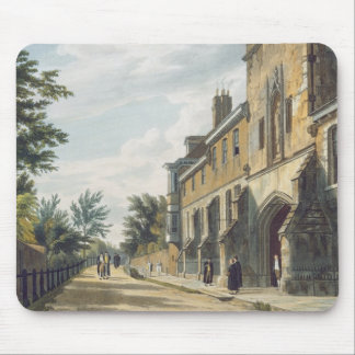 Winchester College Entrance with the Warden's Hous Mouse Mat