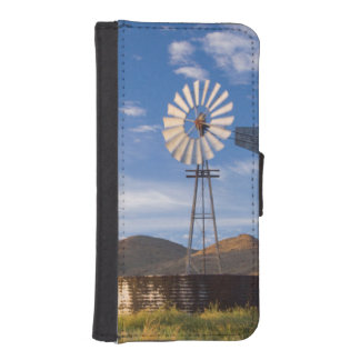 Windmill And Dam In The Karoo At Sunrise iPhone SE/5/5s Wallet Case