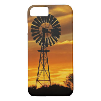 Windmill and Sunset, William Creek, Oodnadatta iPhone 8/7 Case