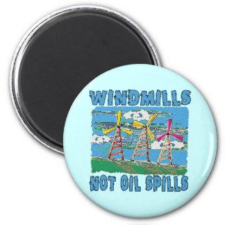 Windmills Not Oil Spills Tshirts 6 Cm Round Magnet