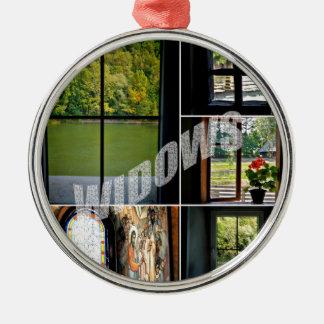 Windows Silver-Colored Round Decoration