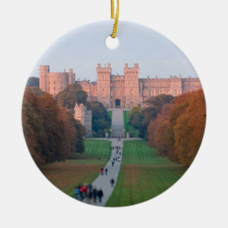 WINDSOR CASTLE ROUND CERAMIC DECORATION