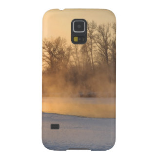 Winter Evening by the Frozen Lake Galaxy S5 Cover
