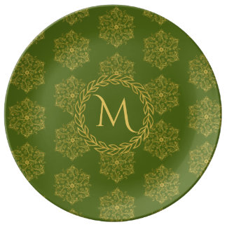 Winter gold green flourishe leaves circle monogram plate