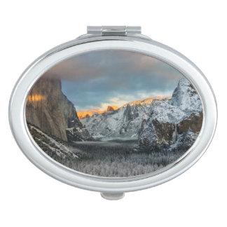 Winter's Mark Makeup Mirror