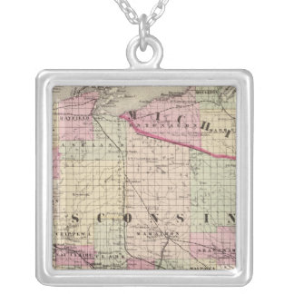 Wisconsin 9 silver plated necklace