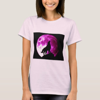 Wolf Howling at Moon T-Shirt