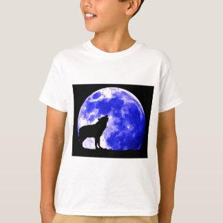 Wolf Howling at Moon Tshirt