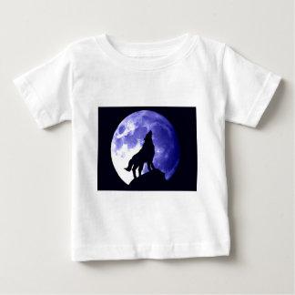 Wolf Howling at Moon Tshirts