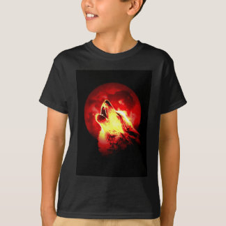 Wolf Howling at Red Night T-Shirt