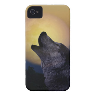 Wolf howling at the moon iPhone 4 case