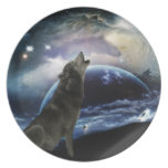 Wolf howling at the moon party plates