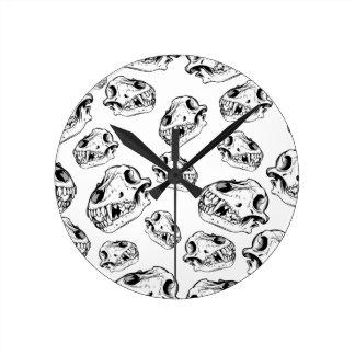 Wolf skulls round clock