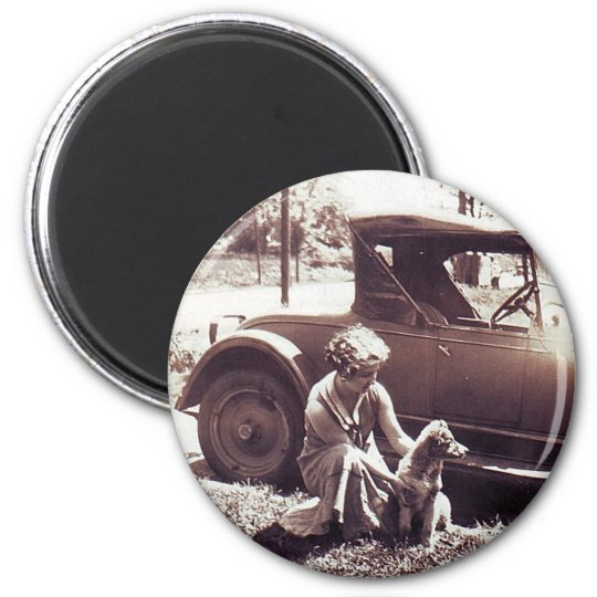 Woman Dog And Auto Vintageg 6 Cm Round Magnet