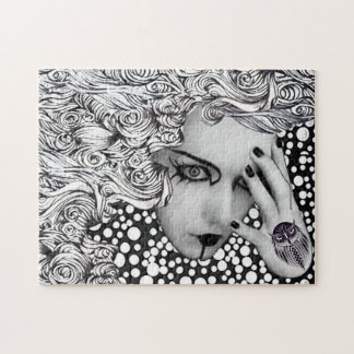 Woman in dotts with owl Puzzle