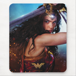 Wonder Woman Blocking With Sword Mouse Mat