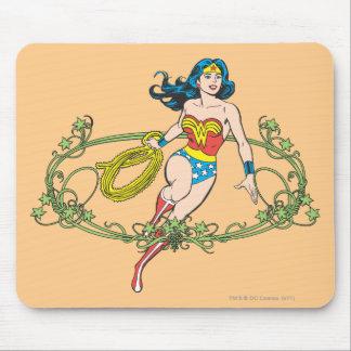 Wonder Woman Green Vines Mouse Pad