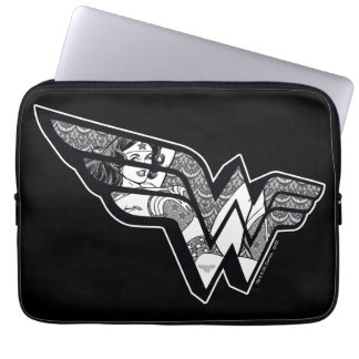 Wonder Woman Sitting In Angled Lace Logo Laptop Sleeve