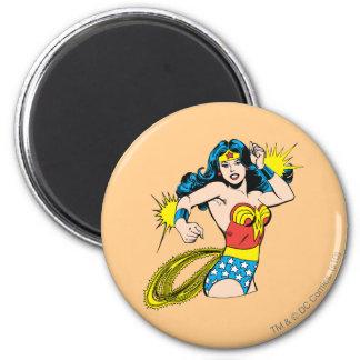 Wonder Woman Twist with Glowing Cuffs Magnet