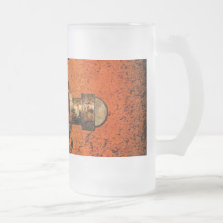 Wonderful golden clef on a awesome button frosted glass beer mug