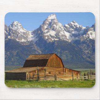 Wooden Mormon Row Barn Mouse Pad