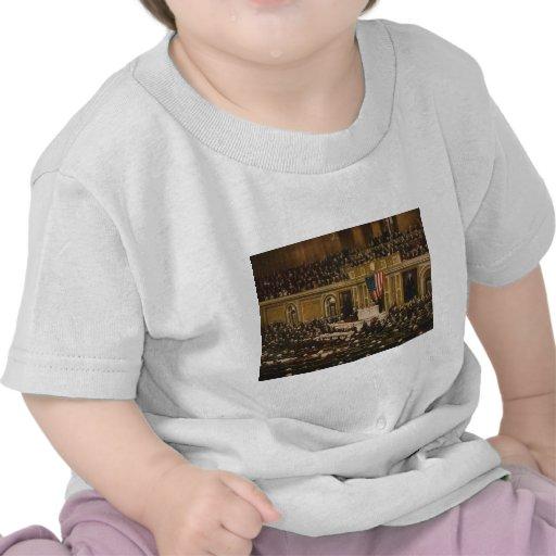 Woodrow Wilson asking Congress to Declare War Tee Shirt