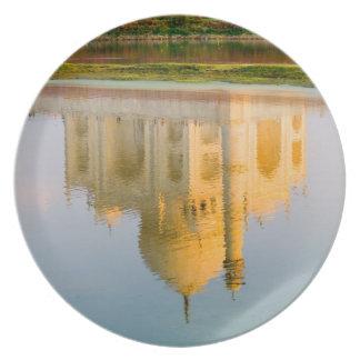 World famous Taj Mahal temple reflection at Plate
