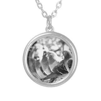 world top universal modern art 2016 round pendant necklace