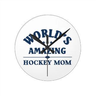 World's amazing Hockey Mom Round Clock
