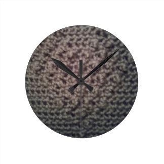 Woven heart design round clock