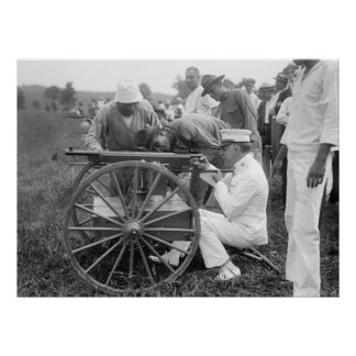 WW1 Machine Gun, 1917 Poster