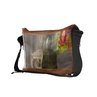 WWII - A prayer for Courage 1940 Commuter Bag