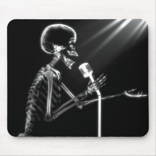X-RAY SKELETON SINGING ON RETRO MIC - B&W MOUSE PAD