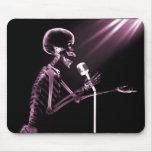 X-RAY SKELETON SINGING ON RETRO MIC - PINK MOUSE MAT