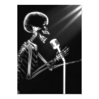 X-RAY VISION SKELETON SINGING ON RETRO MIC - B&W 11 CM X 16 CM INVITATION CARD