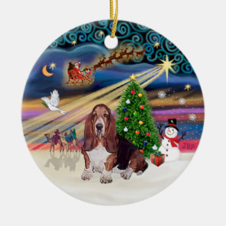 Xmas Magic - Basset Hound Round Ceramic Decoration