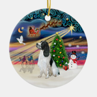 Xmas Magic - English Springer 7 (BW) Round Ceramic Decoration