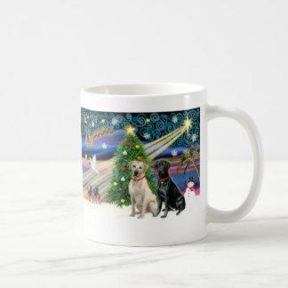 Xmas Magic-Lab Pair-Yell-Blk Mug