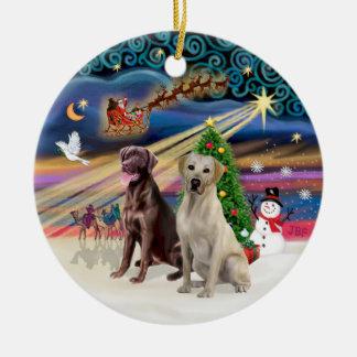 Xmas Magic - Labradors (Choc-Yellow) Round Ceramic Decoration